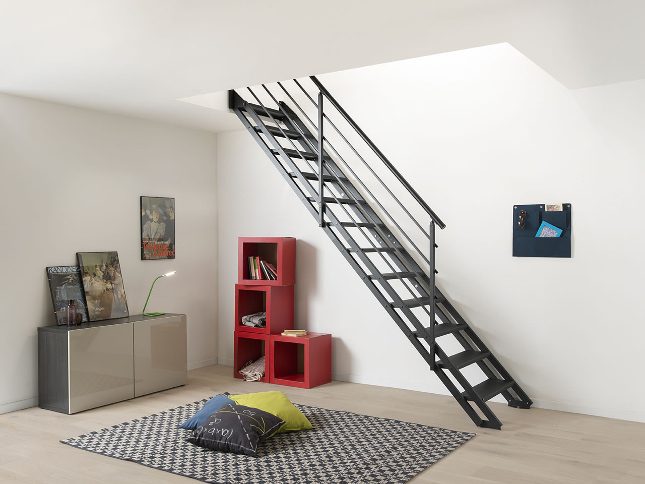 POP Total Black;:;neue-treppe-pop-total-black